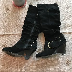 Naughty monkey black suede slouch wedge boots 7.5